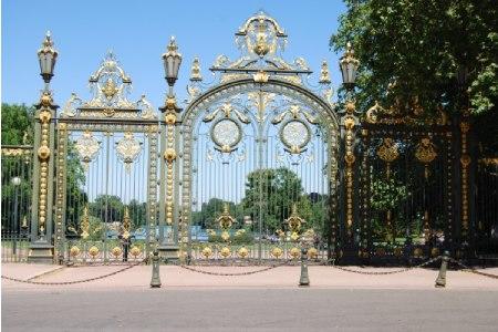Portail d'entrée de l'emblématique parc de la tête d'or à Lyon